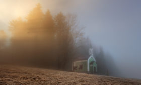 Světlo u kaple
