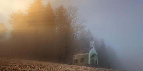 Světlo u kaple | Petr Fiala