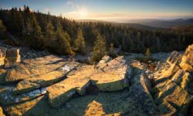 Podzimní východ na Ztracených kamenech