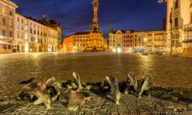 Delfínci na Horním náměstí (Olomouci)